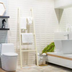 granitfliser på badeværelse