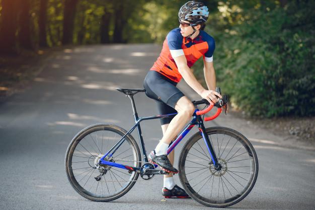 racer cykelhjelm